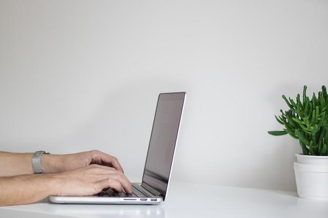 Jak wybrać idealny laptop?